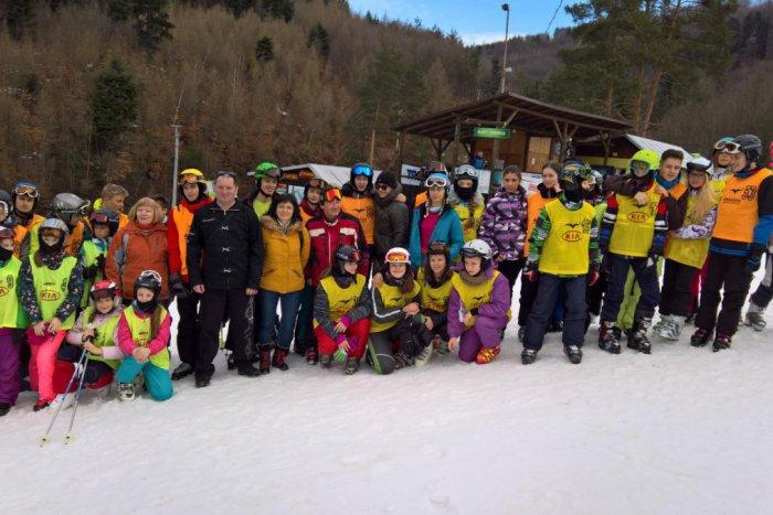 d6a43e413cf53 Ilustračný obrázok k článku Využili ešte možnosť lyžovať: Prešovskí žiaci  na Drienici predviedli obrovský slalom